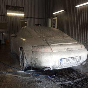 Automobilių plovimas