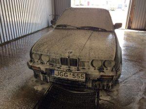 Automobilių plovimas, vaškavimas